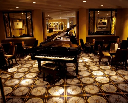 the-savoy-hotel-london-american-bar